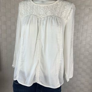 Hinge lace 3/4 sleeve top Size S
